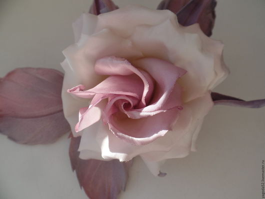 """Броши ручной работы. Ярмарка Мастеров - ручная работа. Купить роза шелковая""""Глория"""". Handmade. Сиреневый, подарок на любой случай"""