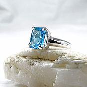 Украшения ручной работы. Ярмарка Мастеров - ручная работа Ярко-голубой топаз кольцо серебро 10х8 мм. Handmade.