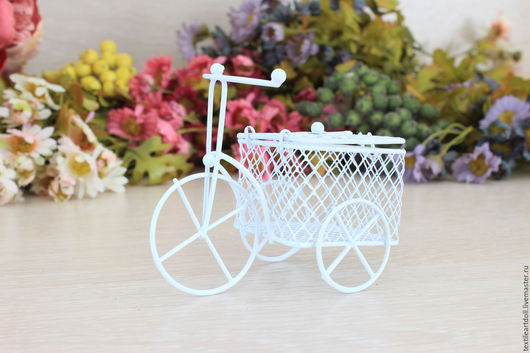 Куклы и игрушки ручной работы. Ярмарка Мастеров - ручная работа. Купить Т/Р00008 Металлический велосипед с корзиной. Handmade. Разноцветный, стул