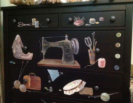 Роспись шкафа из дсп Роспись на черном шкафу ,тема-шитье Тильды Роспись на заказ