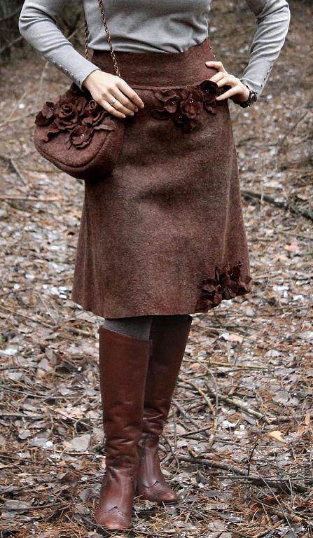 """Юбки ручной работы. Ярмарка Мастеров - ручная работа. Купить Теплая юбка и сумочка из войлока """"Горячий шоколад"""". Handmade. Коричневый"""