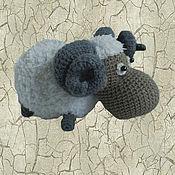 Куклы и игрушки ручной работы. Ярмарка Мастеров - ручная работа Вязаная игрушка барашек. Handmade.
