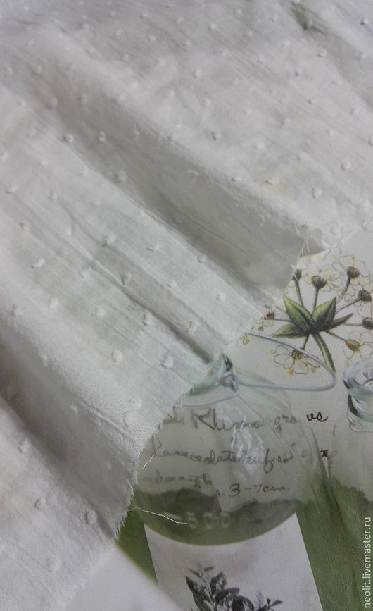 Хлопок снежные цветы   с эффектом жатки  в наличии    остаток  7-8 ярдов