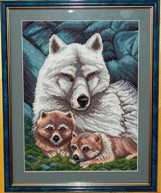 Животные ручной работы. Ярмарка Мастеров - ручная работа. Купить Волки. Handmade. Мулине, канва, нитки
