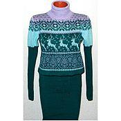 Платье-свитер  с оленями и норвежским орнаментом вязаное Изумрудное