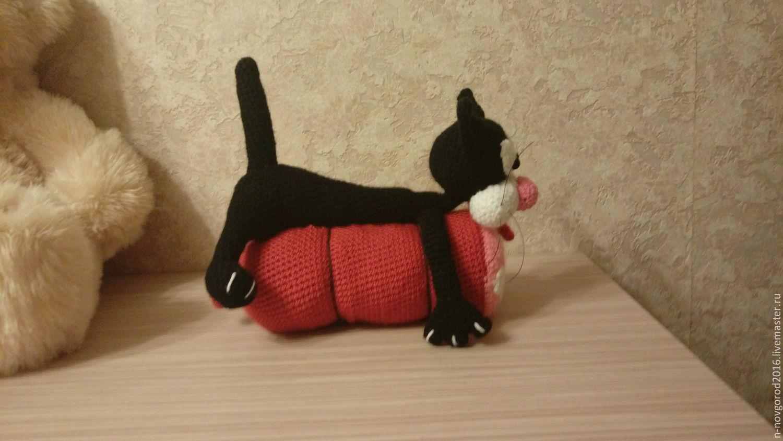 Вязание кота с колбасой