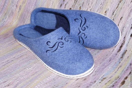 """Обувь ручной работы. Ярмарка Мастеров - ручная работа. Купить Тапочки валяные """"Голубая бухта"""". Handmade. Валяная обувь"""