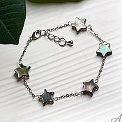 Украшения handmade. Livemaster - original item Chain bracelet on hand with stars of dark mother-of-pearl. Handmade.