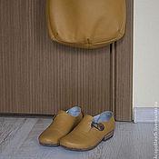 Сумки и аксессуары ручной работы. Ярмарка Мастеров - ручная работа Желтые туфли из натуральной кожи и сумка. Handmade.