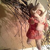 """Куклы и игрушки ручной работы. Ярмарка Мастеров - ручная работа Ватная елочная игрушка """"Девочка с муфтой"""". Handmade."""