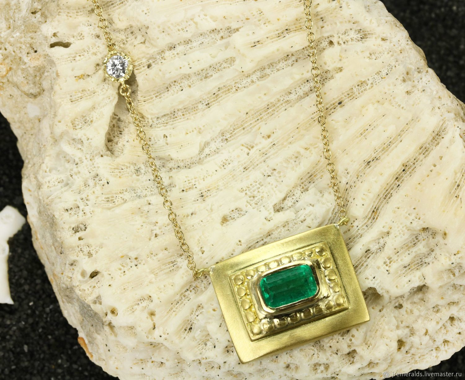 1.95-carat Colombian Emerald Emerald Cut Solitaire Necklace 18K Gold, Necklace, West Palm Beach,  Фото №1