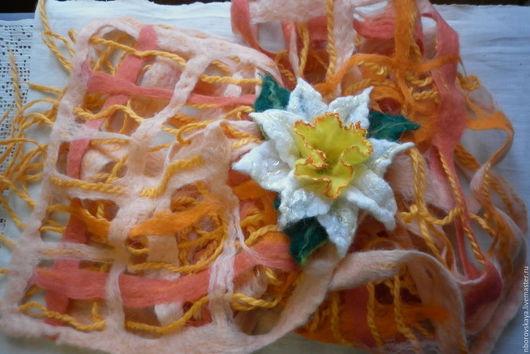 Шарфы и шарфики ручной работы. Ярмарка Мастеров - ручная работа. Купить Шарф-палантин валяный из шерсти Солнечный нарцисс. Handmade.