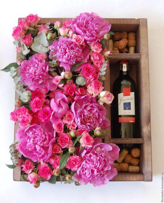 Интерьерные композиции ручной работы. Ярмарка Мастеров - ручная работа. Купить Коробка с пионами и кустовыми розами. Handmade. Розовый