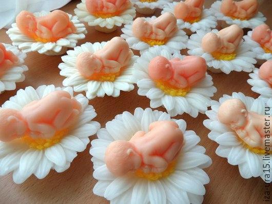 Мыло ручной работы. Ярмарка Мастеров - ручная работа. Купить мыло малыш на цветке. Handmade. Разноцветный, мыло в подарок, Крестины