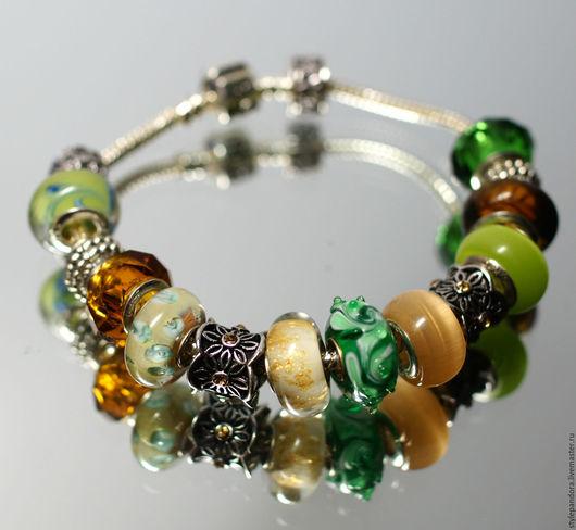 Браслет Легенды Ирландии выполнен из бусин lampwork Все шармы на браслете можно приобрести отдельно и создать свой собственный браслет.
