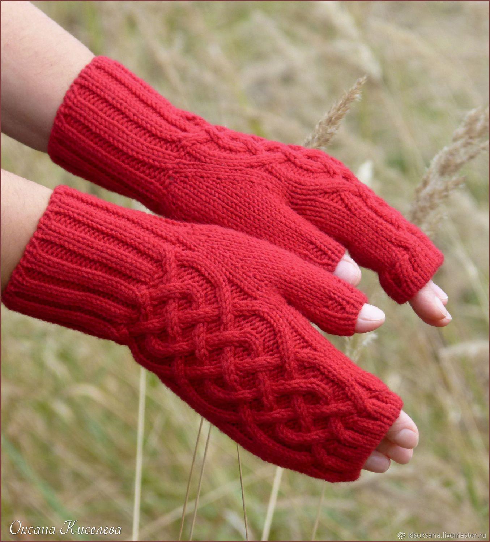 Митенки (перчатки без пальцев) вязаные красные с аранским ...