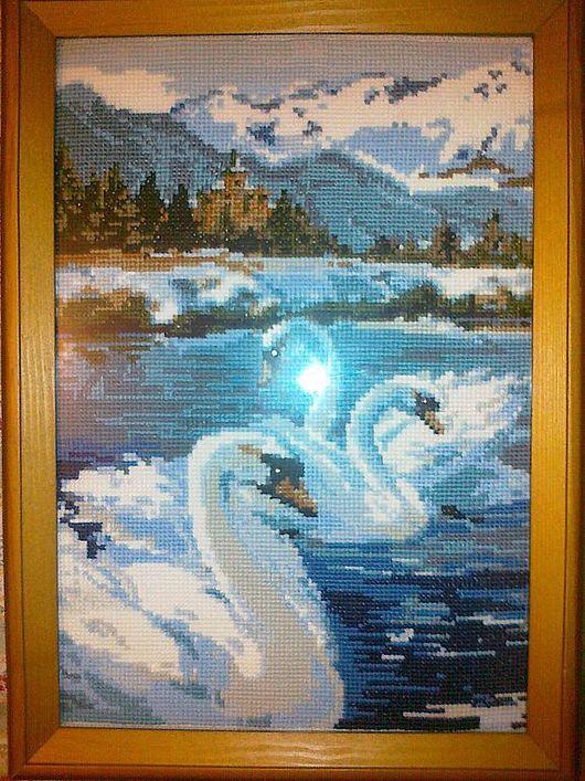 """Пейзаж ручной работы. Ярмарка Мастеров - ручная работа. Купить Вышитая картина """"Лебеди"""". Handmade. Белый, лен, вышивка"""