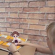 Куклы и игрушки ручной работы. Ярмарка Мастеров - ручная работа Книжка-дом для двух кукол из фетра с гардеробом. Handmade.