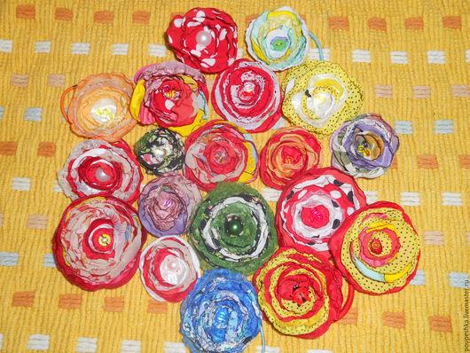 Заколки ручной работы. Ярмарка Мастеров - ручная работа. Купить Цветочки из ткани (заколка, резинка, украшение). Handmade. Комбинированный
