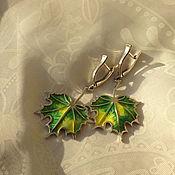 Украшения ручной работы. Ярмарка Мастеров - ручная работа серьги из серебра с горячей эмалью большие кленовые листья. Handmade.