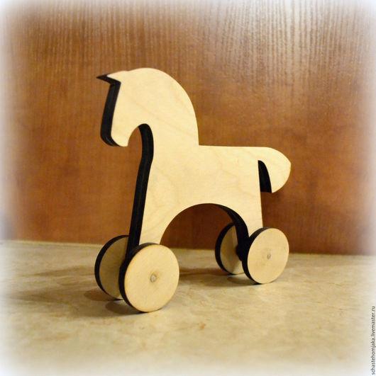 Декупаж и роспись ручной работы. Ярмарка Мастеров - ручная работа. Купить 2 вида: Лошадка на колесиках, лошадка-качалка. Handmade.