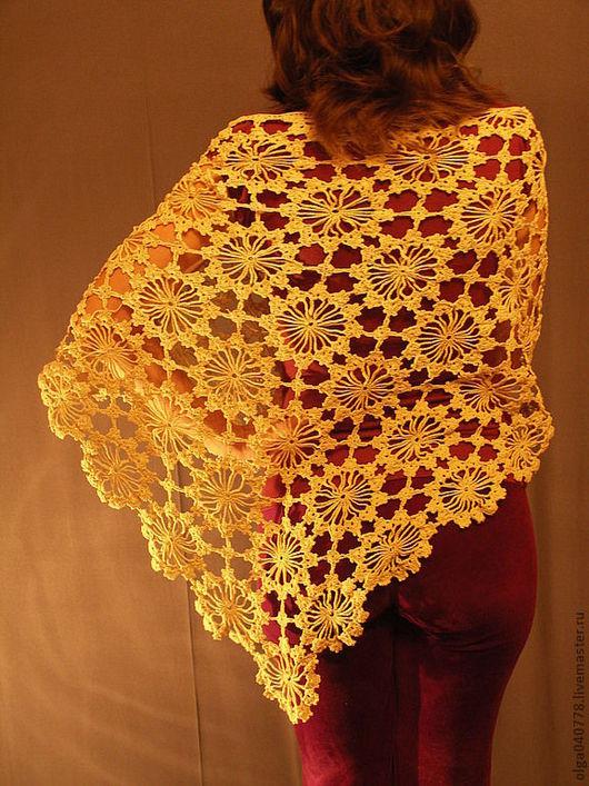 Шали, палантины ручной работы. Ярмарка Мастеров - ручная работа. Купить Тонкая ажурная шаль. Handmade. Бежевый