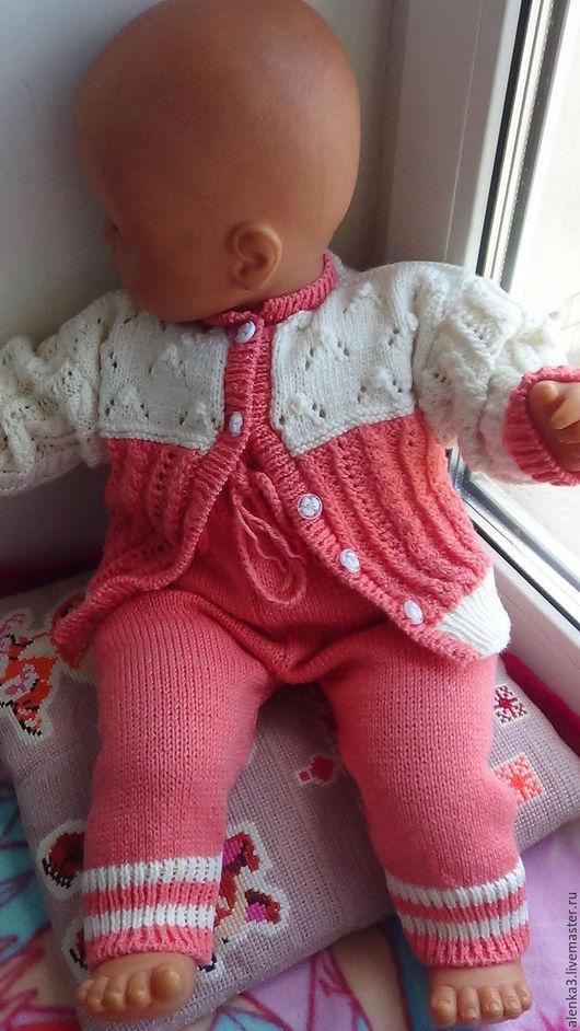 """Одежда ручной работы. Ярмарка Мастеров - ручная работа. Купить вязаный костюмчик для малышки из шерсти """"Сахарный коралл"""". Handmade. Комбинированный"""
