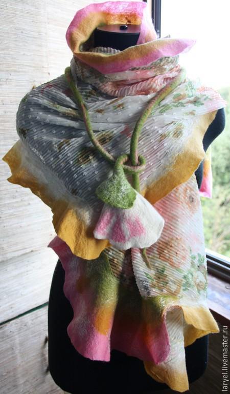 Шали, палантины ручной работы. Ярмарка Мастеров - ручная работа. Купить Валяный палантин. Легкая накидка. Валяный цветок. Handmade.