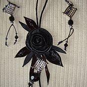 """Украшения ручной работы. Ярмарка Мастеров - ручная работа Комплект """"Чёрная роза"""" из кожи с серьгами. Handmade."""