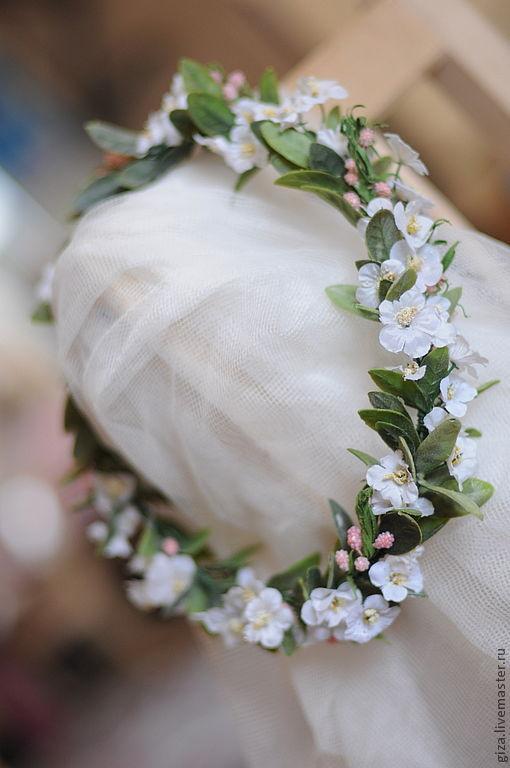 """Диадемы, обручи ручной работы. Ярмарка Мастеров - ручная работа. Купить Венок на голову """"Вишневое дерево"""". Handmade. Белый, вишня"""