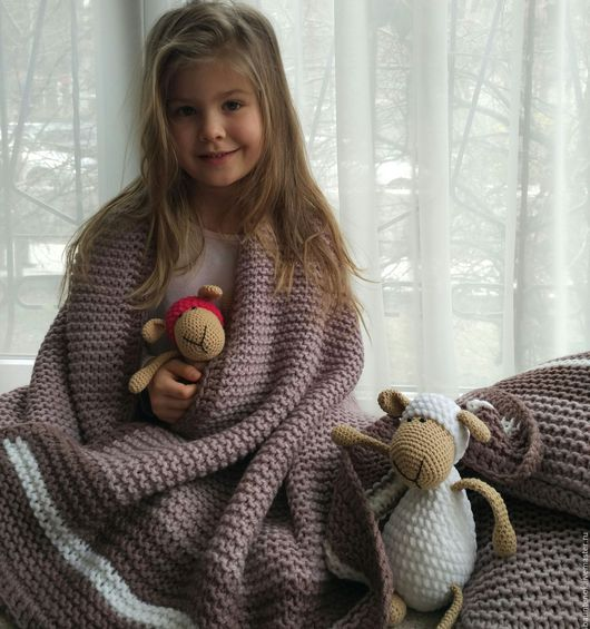 """Текстиль, ковры ручной работы. Ярмарка Мастеров - ручная работа. Купить Плед вязаный+ 2 подушки """"Туманное Утро"""". Handmade."""