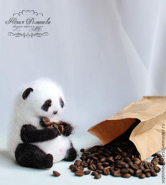 Игрушки животные, ручной работы. Ярмарка Мастеров - ручная работа. Купить Кофейная панда. Handmade. Чёрно-белый, кофейная панда