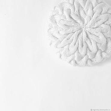Аксессуары ручной работы. Ярмарка Мастеров - ручная работа Белая шапка бини косами женская и снуд, комплект демисезонный. Handmade.