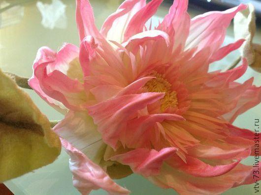 """Цветы ручной работы. Ярмарка Мастеров - ручная работа. Купить Брошь из натурального шелка. """"Лотос"""". Handmade. Розовый лотос"""