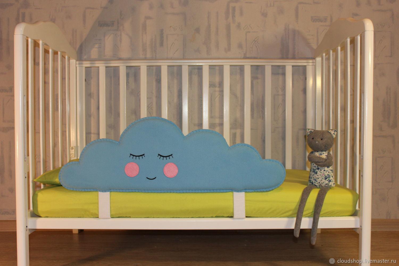 Защитный бортик на кровать своими руками