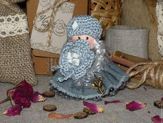Броши ручной работы. Ярмарка Мастеров - ручная работа. Купить Осенний ветер знает все о нас...Брошь текстильная куколка. Handmade.
