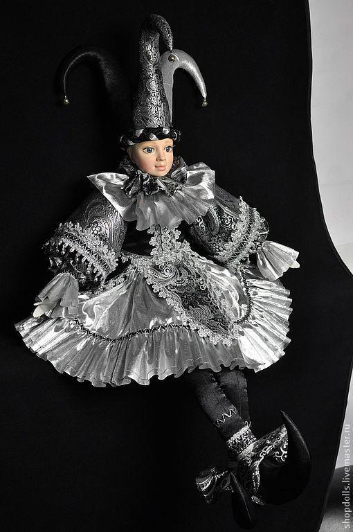 Коллекционные куклы ручной работы. Ярмарка Мастеров - ручная работа. Купить Кукла Арлекин венецианский  чёрно-серебристый. Handmade. Арлекин