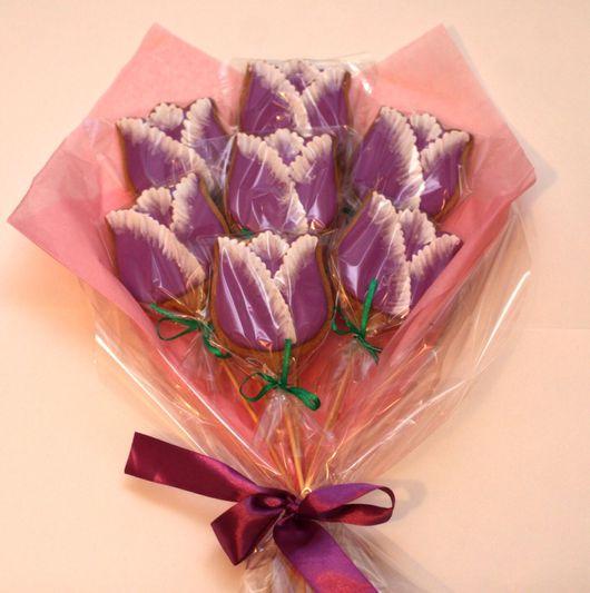 Кулинарные сувениры ручной работы. Ярмарка Мастеров - ручная работа. Купить Букет из 7 тюльпанов  (имбирное печенье). Handmade. цветы