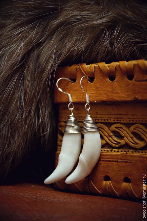 """Серьги ручной работы. Ярмарка Мастеров - ручная работа. Купить Серьги """"Лагерта"""", клыки волка, серебро 925. Handmade. Белый"""