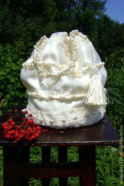 """Женские сумки ручной работы. Ярмарка Мастеров - ручная работа. Купить """"Giulietta"""" ридикюль. Handmade. Белый, свадебное украшение, бусины"""