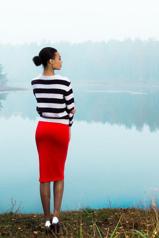 Юбки ручной работы. Ярмарка Мастеров - ручная работа. Купить Простой красный юбец. Handmade. Ярко-красный, офисная юбка