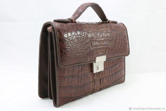 Мужские сумки ручной работы. Ярмарка Мастеров - ручная работа. Купить Барсетка из кожи крокодила IMA0575K1. Handmade. Коричневый