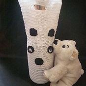 Сувениры и подарки ручной работы. Ярмарка Мастеров - ручная работа Подарочный вязаный чехол- сумка для бутылки  Снежная Панда. Handmade.