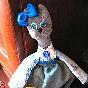 """Куклы и игрушки ручной работы. Ярмарка Мастеров - ручная работа Интерьерная игрушка """"Кошка-рукодельница"""". Handmade."""