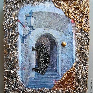 Для дома и интерьера ручной работы. Ярмарка Мастеров - ручная работа Ключница Старый Город. Handmade.