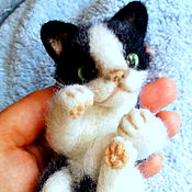 Куклы и игрушки handmade. Livemaster - original item kitty wrapper, miniature wool. Handmade.