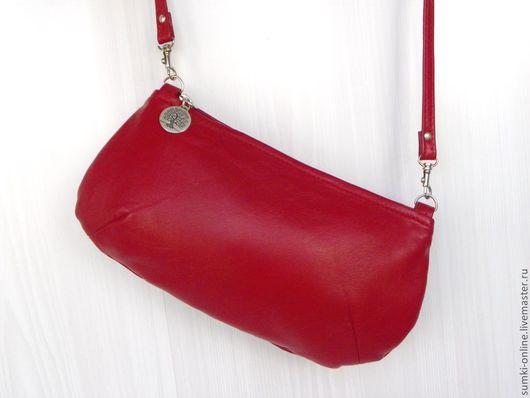 Женские сумки ручной работы. Ярмарка Мастеров - ручная работа. Купить Сумочка красная кожаная с ремешком через плечо. Handmade.