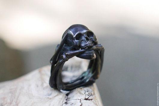 """Кольца ручной работы. Ярмарка Мастеров - ручная работа. Купить Мужское кольцо из чернённого серебра с черепом """"Призрачный гонщик"""".. Handmade."""
