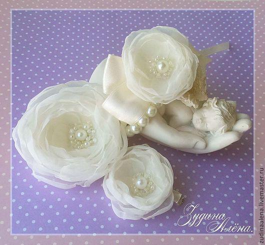 Свадебные украшения ручной работы. Ярмарка Мастеров - ручная работа. Купить Набор Ivory Rose цветы в прическу и браслет.. Handmade.