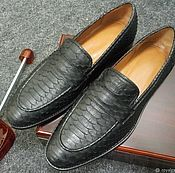 Обувь ручной работы handmade. Livemaster - original item Python leather loafers, in black, 100% handmade.. Handmade.
